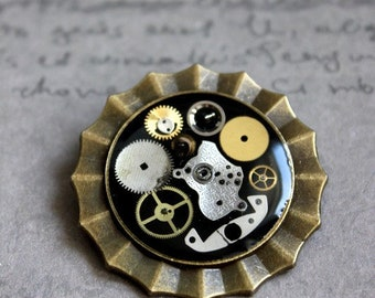 Brooch/pendant Bronze 3.5 cm Steampunk watch parts and resin