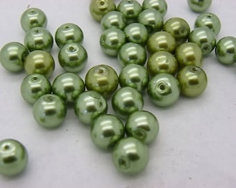 50 PC wood 10 mm green glass beads