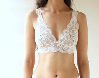 Lingerie, white lingerie, bralette, bralette set, lingerie set, lace lingerie, strappy bralette, bridal lingerie, gift for her, underwear