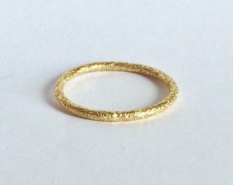 Textured 18ct /18k solid gold stacking ring