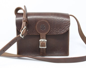 Small leather shoulder bag, hand-stitched, with rose motif