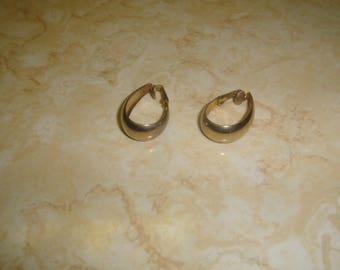 vintage clip on earrings goldtone oval hoops