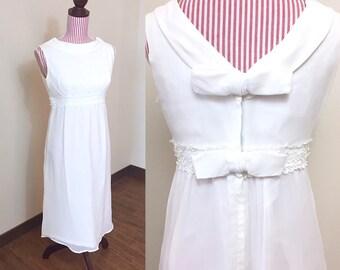 Vintage 1960s Dress / Vintage 60s Dress / Sheath / Cream Chiffon / Bridal