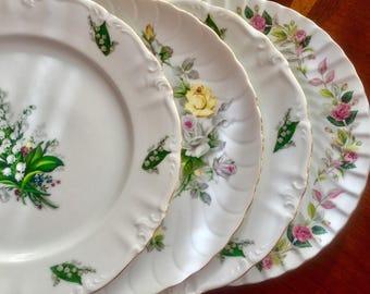 4 Mismatched Vintage China Dinner Plates Weddings, Bridal Shower, Tea parties D1013