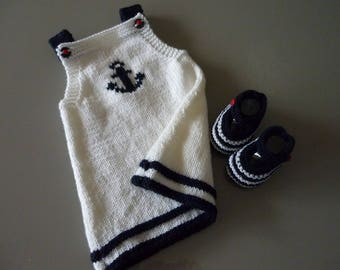 Trapeze dress and marine wool - knit baby booties - 3 months