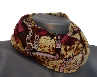 Handmade hose scarf in soft colors with roses from jersey, art. No. 8014