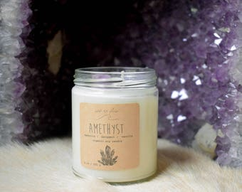 amethyst ~~ large hand-poured organic soy candle ~ bergamot, magnolia, sandalwood, vetiver, vanilla ~~ earthy floral scent with crystal