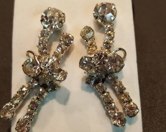 Shiny and beautiful vintage crystal clip on earrings