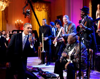 "President Barack Obama Sings ""Sweet Home Chicago"" With Blues Legend B.B. King - 5X7, 8X10 or 11X14 Photo (DA-515)"