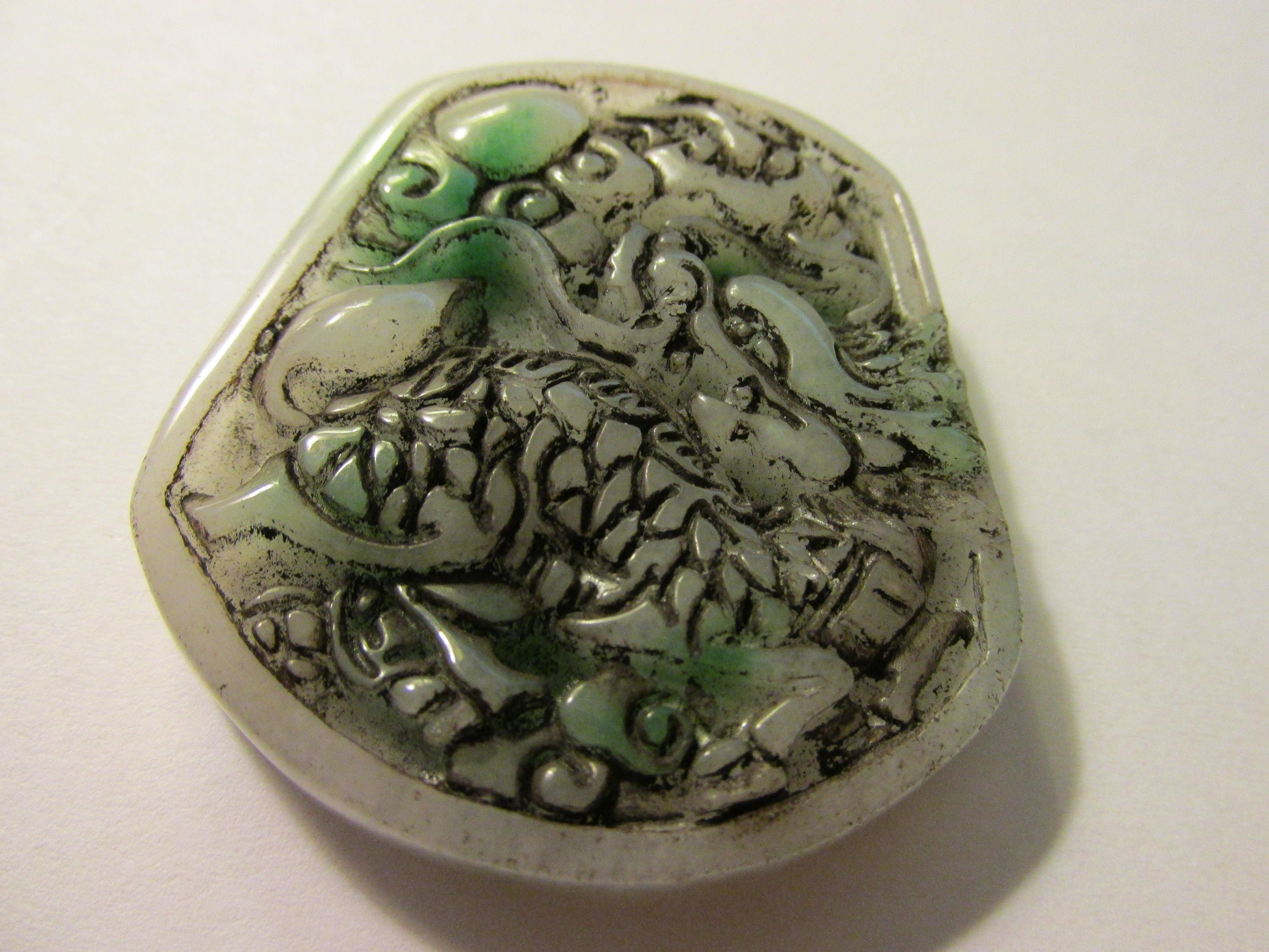 more lane jade chinese ruby white wheel item vintage and carved pendant mottled green