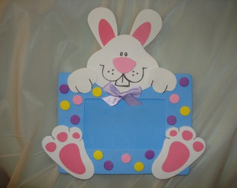 Handmade 3-D bunny picture frame with magnetic back - xe1