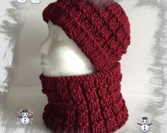 Hat and snood round neck, all men, women, teens, warm and cozy soft winter wool, Burgundy colors