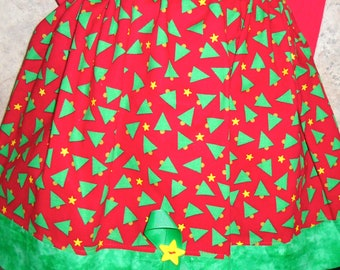 Red and Green Christmas Tree Skirt Size 4