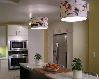 a pair of  MORE-LIGHT pendant lamps in BedfordII pattern