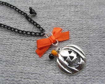 """Necklace""scared 6""- HALLOWEEN Collection"