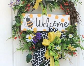 Summer Wreath, Bumble Bee Wreath, Summer Grapevine Wreath, Summer Wreath for Front door, Spring Wreath, Sassy Doors Wreath,