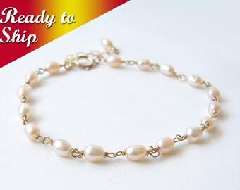READY TO SHIP ~ Pearl Bracelet ~June Birthday ~ Blush Pink Freshwater Pearl ~ Dainty Layering Bracelet ~ June Birthstone ~ Bridesmaid Gift