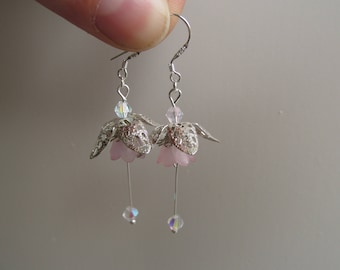 Dangle flower earrings soft pink