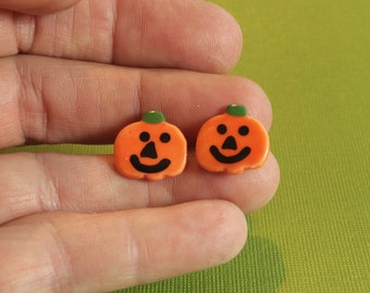 Mini citrouille Jack O lanterne Halloween bijoux Boucles d'oreilles en porcelaine fait main en céramique
