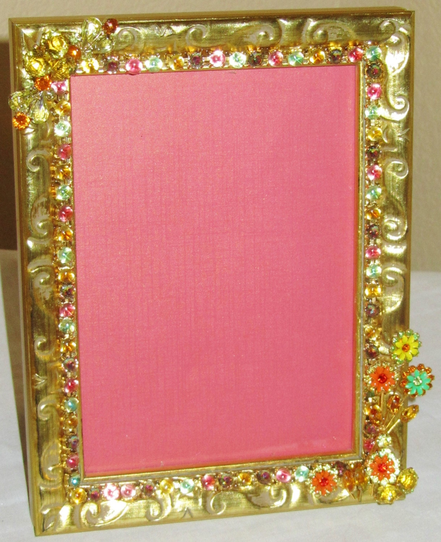 Vintage rosa verde amarillo flor broche collar en marco oro Antiqued ...