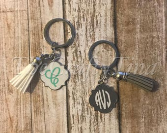 Quatrefoil one inch key chain with tassel