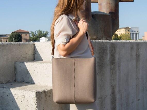 Large felt SHOULDER BAG with leather strap / taupe bag / brown / tote bag / felt tote / wool felt / made in Italy