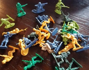 Set of 30 Toy Soldiers