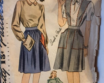 Vintage 1940's Skirt and Blouse Sewing Pattern 40's Simplicity 4496 Bust 32