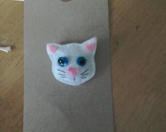 Felt white cat brooch