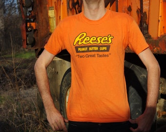 80's REESE'S PEANUT BUTTER cups two great tastes orange t-shirt size large