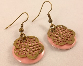Earrings, round resin and carved flower print