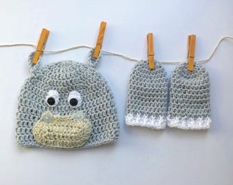 Hippo hat and mittens set!