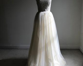 Strapless Tulle Lace Beaded Wedding Dress/Handmade/Size Medium/Color Buttercream