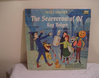 walt disney presents the scarecrow of oz, with full size color illustrated book, lp (record)
