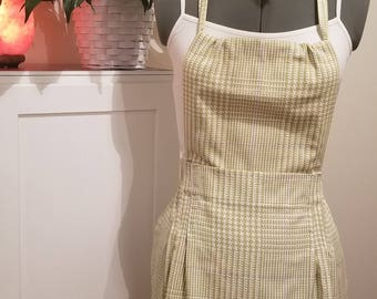 Apron in a Pretty Green Houndstooth Print Adult