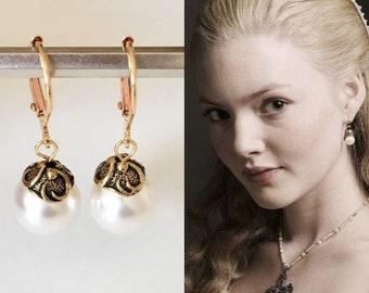 Lucrezia Borgia Swarovski White Pearl Antique Gold Renaissance Tudors Earrings