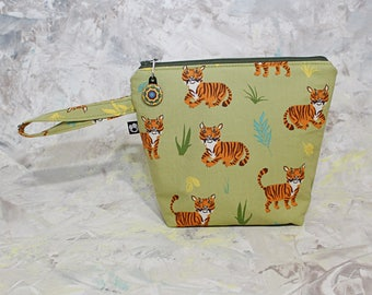 Large Insulated snack bag, zippered top, washable, food safe lining, school/work snack bag, grab and go, reusable, kid friendly, handle