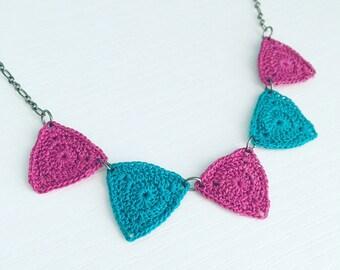 Bucktown Crochet Necklace in Grape / Peacock
