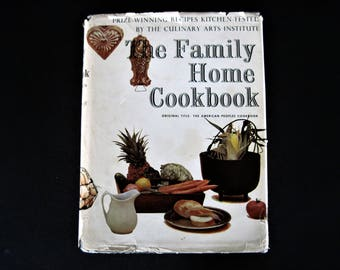 Family Home Cookbook, Vintage Cookbook, Family Cookbook, How To Cookbook, Recipe Contest Book, American Cooking, Old Cook Book, Cookbook