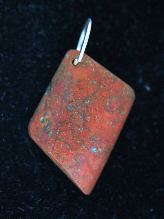 """New Mexico Bella pendant, red green, """"To the Point"""", silver bail 45ct"""