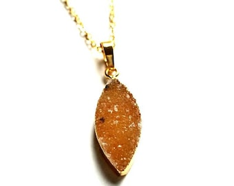 Teardrop druzy necklace//Sparkly agate gemstone gift//delicate gold necklace//gift for her//bohemian layering necklace// minimalist necklace