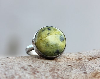 Serpentine silver ring, Green ring, Artisan Serpentine cocktail Ring, Serpentine Gemstone Ring, Serpentine statement ring