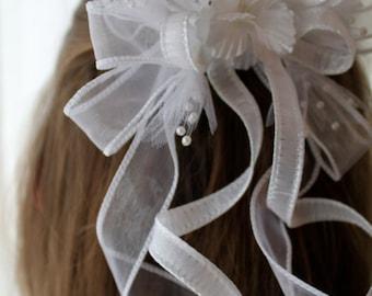 White ribbon decorative hair comb