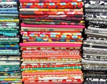 Quilt Fabric Scrap Bundle, Fabric Remnants, Designer Fabric Bundle, Fat Quarter Bundle, Cotton Fabric Scrap, Fabric Grab Bag, By the Pound
