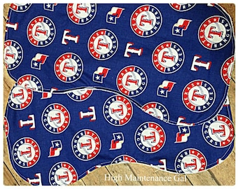 Texas rangers themed contoured burp cloth, Unisex burp cloth, Expecting dad gift, Babyshower gift idea, Nursery design idea, Baby burpies