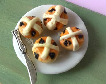 Dolls House 12th scale miniature food ~ Plate of hot cross buns