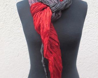 Knitted scarf made of pure silk, red-black