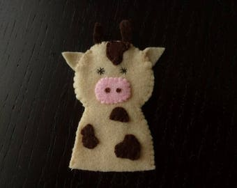 Daisy the cow beige felt finger puppet