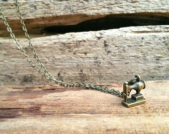 Antique Bronze Gold Vintage Sewing Machine Necklace
