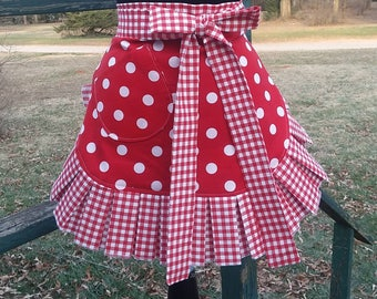 Handmade Apron, Custom Apron, Kitchen Apron, Hostess Apron, Womans Apron, Apron for Mom, Apron for Grandma,  Retro Apron